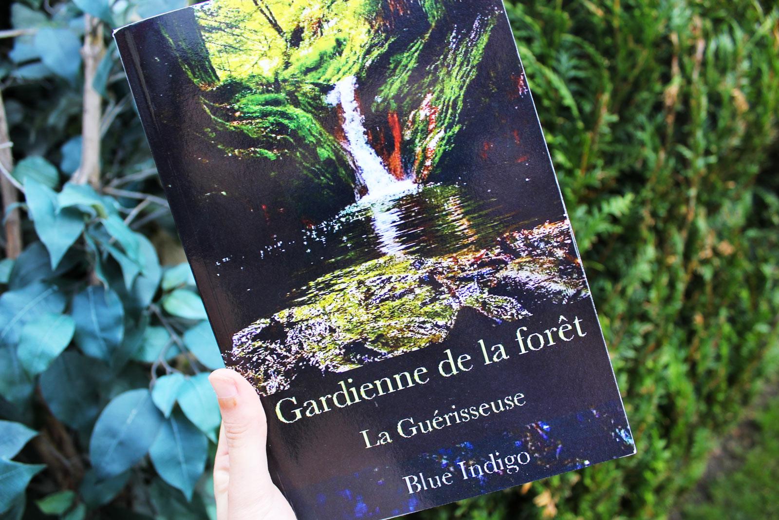 Gardienne de la forêt – Blue Indigo